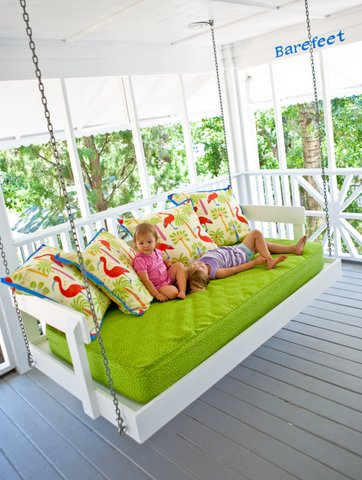 white bed swing