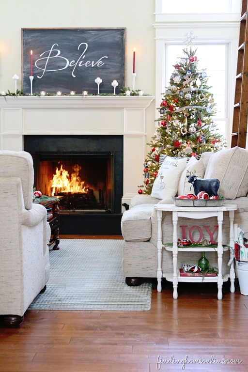 Our favorite coastal holiday mantles cottage and bungalow for Shore home decor