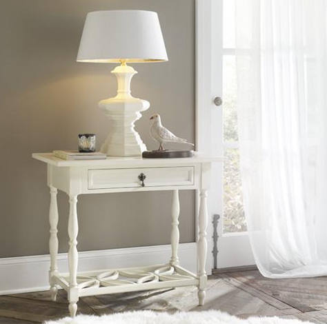 cottage and bungalow-bayview side table